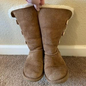 Ugh boots Bailey button triplet II